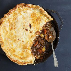 This comforting classic is transformed with a fabulous local stout beer, choice cuts of steak and bacon, and buttery pastry. On a crisp fall day, nothing's better than digging into a rich, meaty dish full of amazing flavours. Try our steak and stout pie.