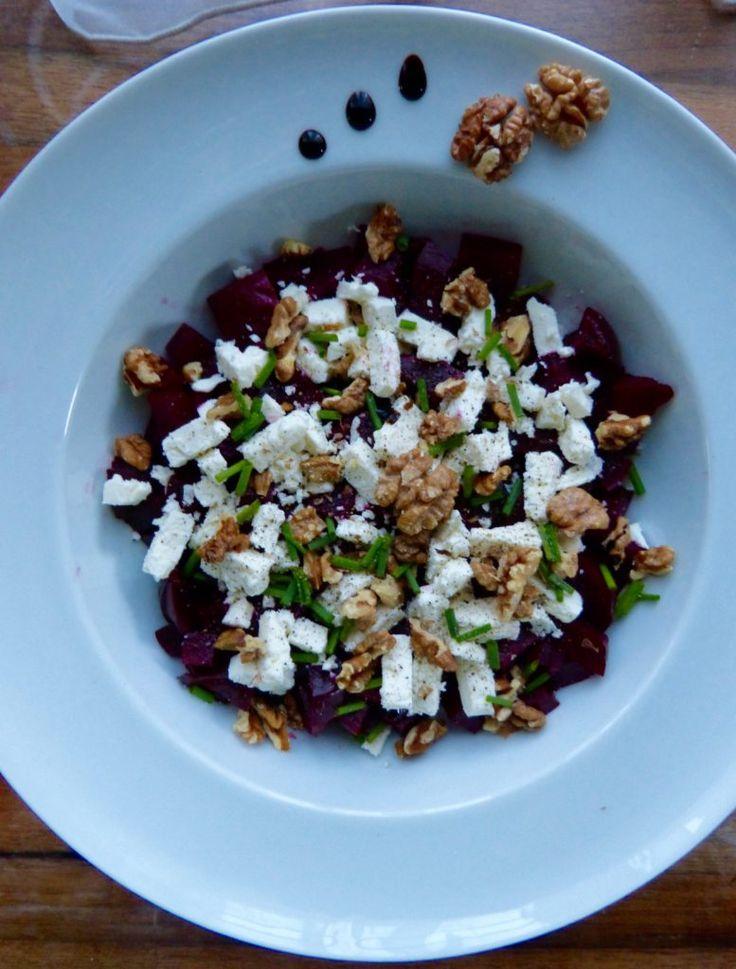 Salade de betterave, feta et noix