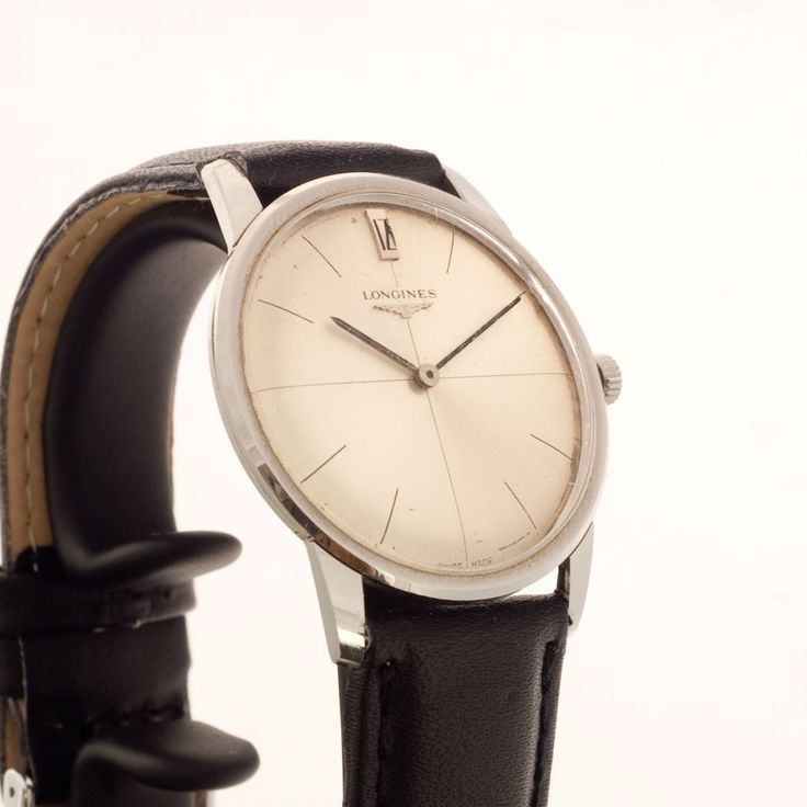 What a minimalist style! Small sized Longines watch from the 60s