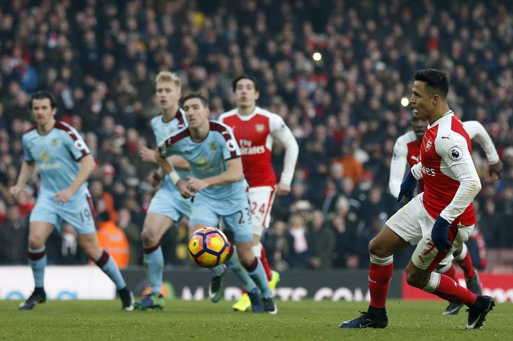 Winning penalty goal by Alexis Sanchez at minute 97th. Arsenal 2-1 Burnley (January 2017)