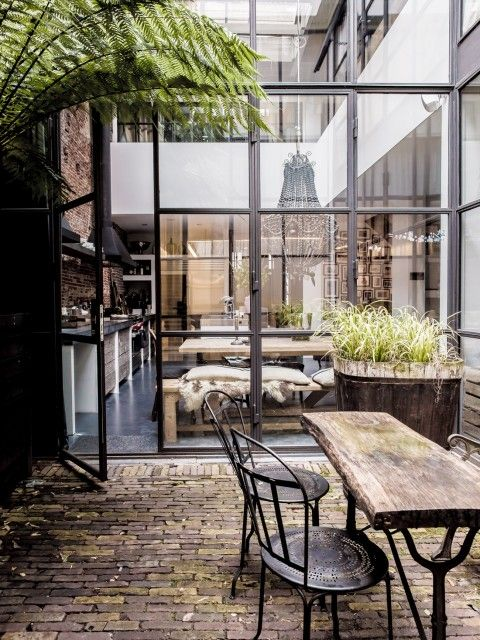 Warehouse turned family home of the Haverkamps, located in Jordaan area of Amsterdam. Via Milk Magazine