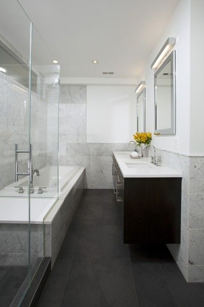 Great layout for a small bathroom.