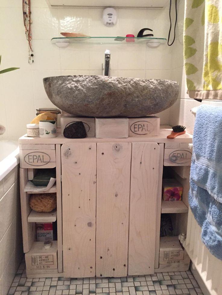 Waschbeckenunterschrank aus paletten selber bauen  Die besten 25+ Waschbeckenunterschrank holz Ideen nur auf ...