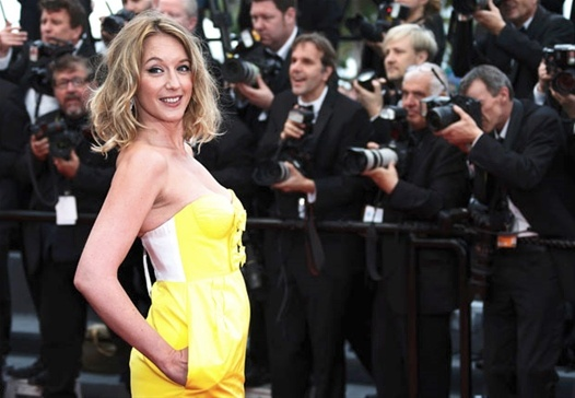 """Ludivine Sagnier pour la montée des marches de """"Jeune et Jolie"""" / Cannes 2013."""