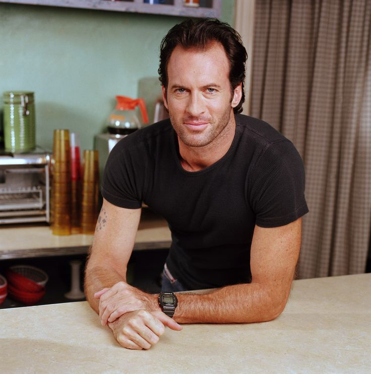 Scott Patterson ~ Gilmore Girls ~ Publicity Photos ~ Season 1 (2000) #amusementphile