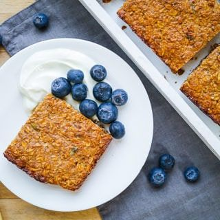 High protein flapjacks are a healthy snack made with gluten free rolled oats, apple puree and toasted walnuts. Egg free, they can easily be kept vegan!