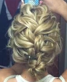 Messy French Braid...OMG I LOVE, need to figure out how to do this!!