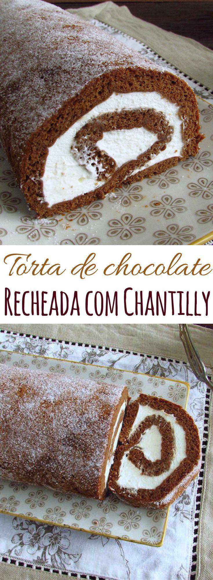 Torta de chocolate recheada com chantilly | Food From Portugal. Quer experimentar uma deliciosa sobremesa? Esta torta de chocolate recheada com chantilly é maravilhosa! Suave e doce, ideal para apresentar em qualquer festa ou ocasião especial! Atreva-se! #receita #chocolate #chantilly #torta