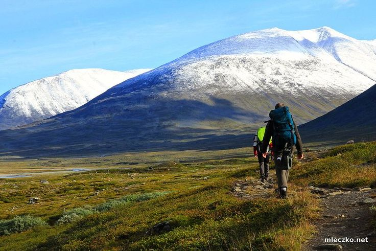 Hiking in Kungsleden, Sweden - Travel Pinspiration on the blog!