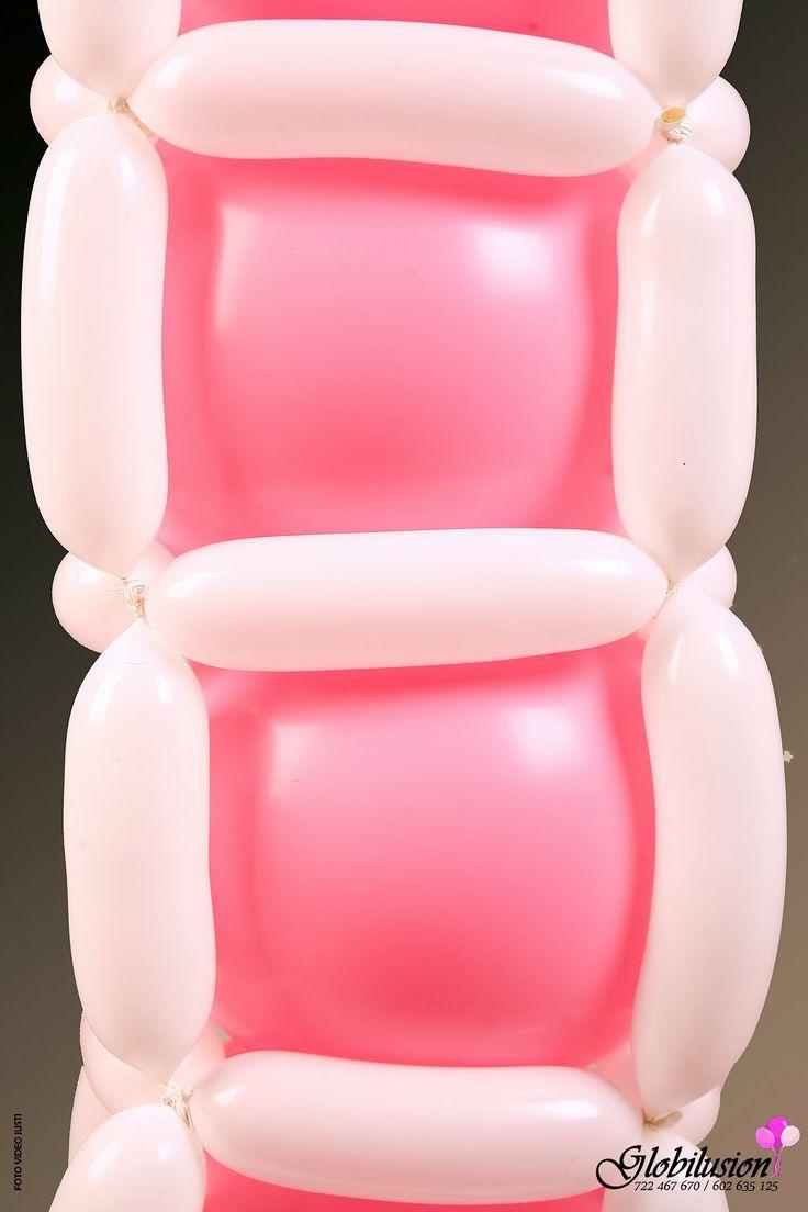 Este es un ejemplo de una decoración para el primer cumpleaños de una princesita. Con piñata y chuches para los invitados...