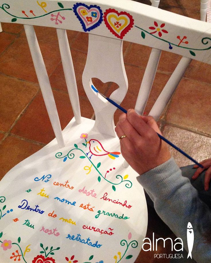 "Hand painted chair ""Lenço dos namorados / lovers handkerchief"" theme, by ""Alma Portuguesa"" #Portugal"