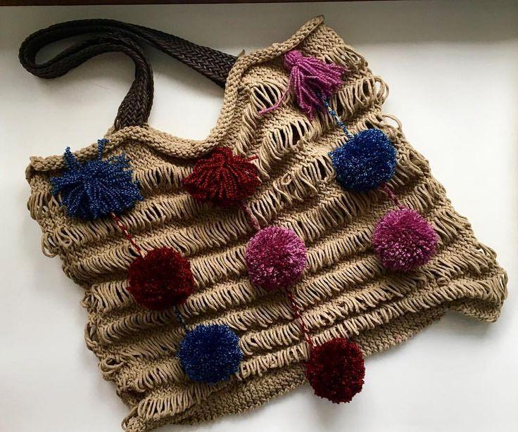 """28 Beğenme, 5 Yorum - Instagram'da Design by Feroni (@designbyferoni): """"Sonbahar Renkleriyle yeni omuz çantamız ☺️ #handmade #spagettiyarn #penyeip #elörgüsü #penyecanta…"""""""