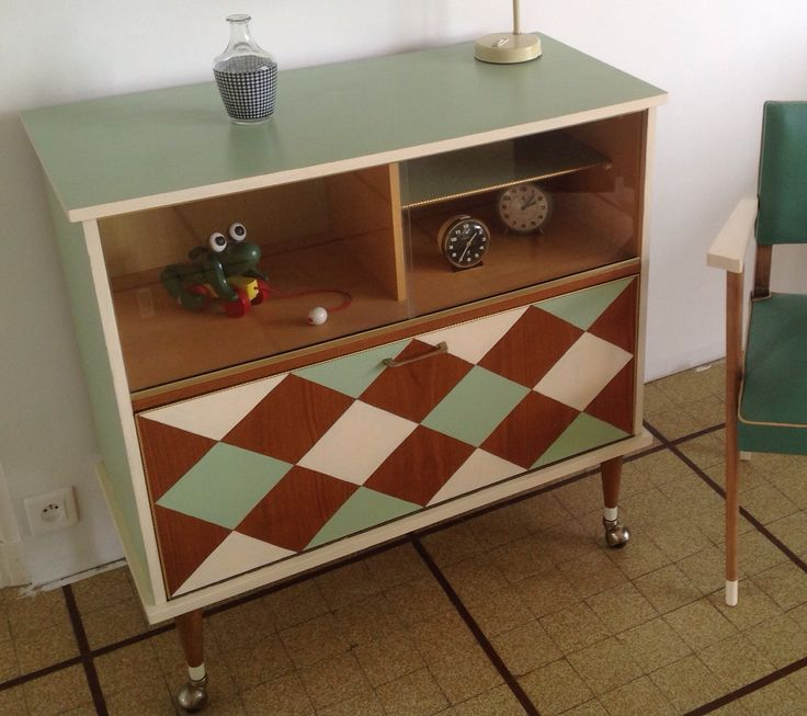 Meuble t l 60 39 s sur roulettes meubles r nov s vintage for Meuble tele a roulette