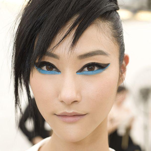 Le maquillage bleu du défilé Chanel