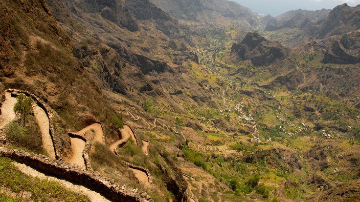 Kapverden Reisen - Beeindruckende Berge und tiefe Täler