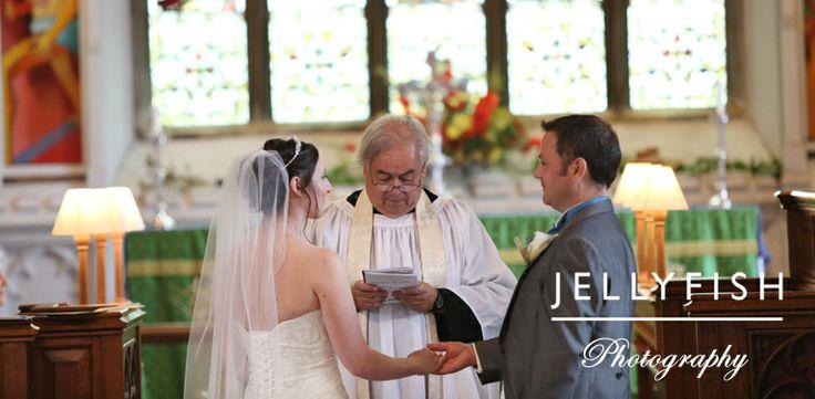 JELLYFISH PHOTOGRAPHY WEDDING ST ANDREWS CHURCH AMPTHILL