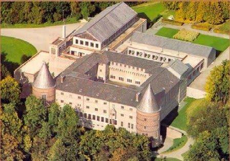 luchtfoto-abdij-Sint-Benedictusberg.jpg (449×314)