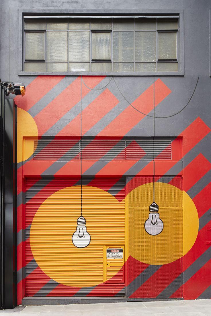 Upper West Side shopping Melbourne Mimi Design Studio. Fray:me gusta mucho como es esta fachada por el dibujo de las bombillas me parece muy original.