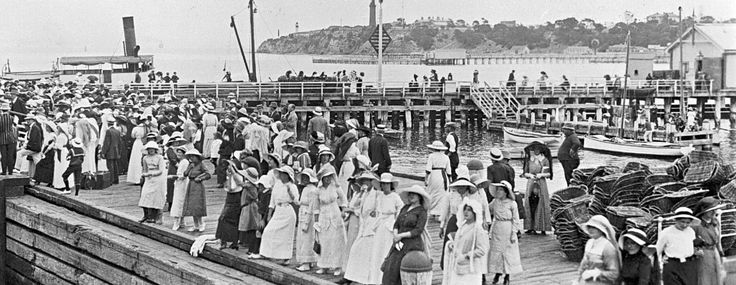 Pier at Queenscliff, 1914. Lillian L Pitts, photographer. Museum Victoria Collection