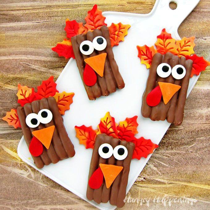 Turkey Pretzel Thanksgiving Treats | Easy turkey treats for the kids to snack on this Thanksgiving!