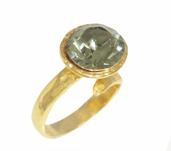 Δαχτυλίδι από επιχρυσωμένο ασήμι με πέτρα swarovski | Για αγορά κλικ πάνω στην εικόνα