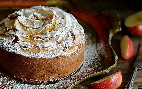 Torta di mele e cannella soffice, ricetta della nonna