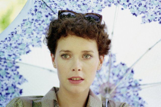 Still of Sylvia Kristel in Emmanuelle (1974)
