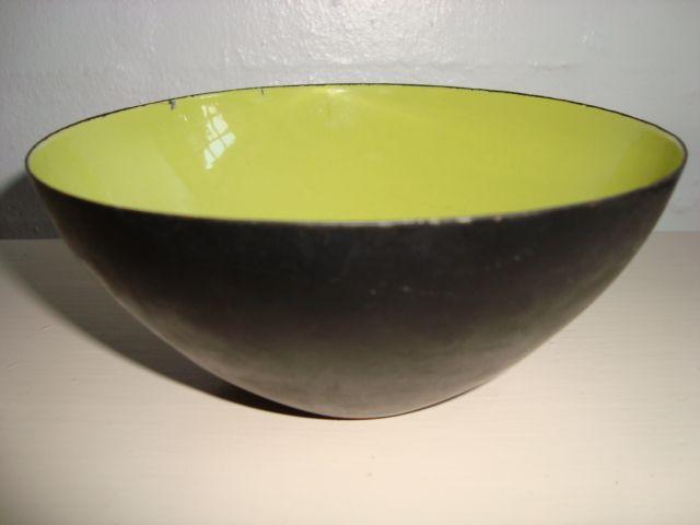 """HERBERT KRENCHEL original """"Krenit"""" Danish design retro bowl - 1950s. Enamel. H: 10 cm D: 25 cm. #Krenchel #Krenit #bowl #1950s #Danish #design #enamel #skaal #emalje #dansk. SOLGT."""