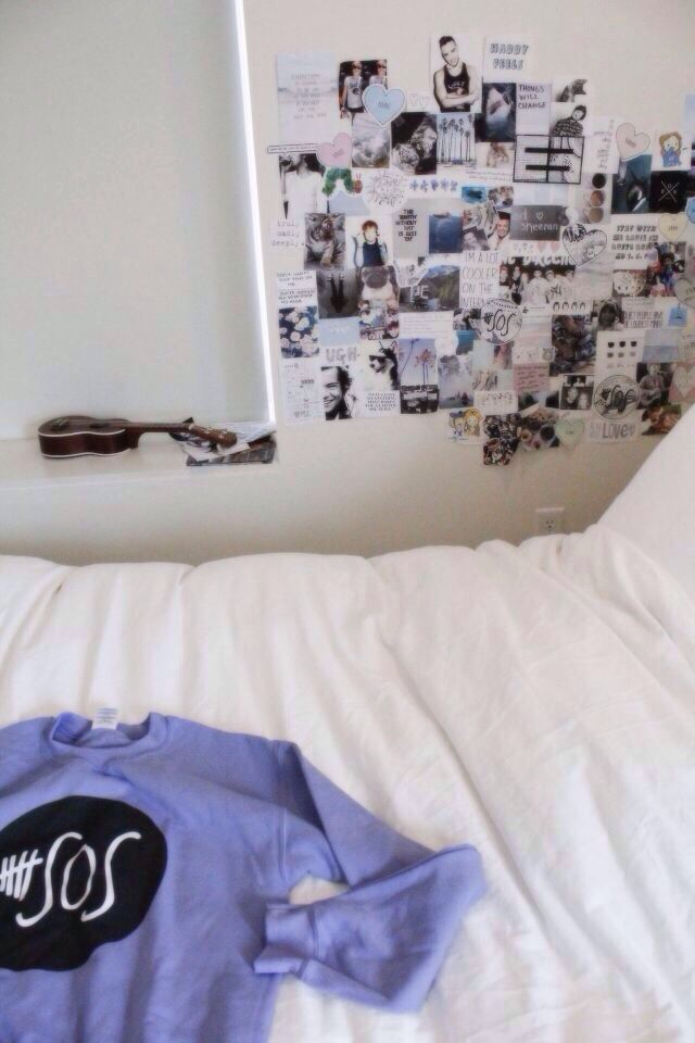 Accuracy of what my dream room looks partially like for Room decor 5sos