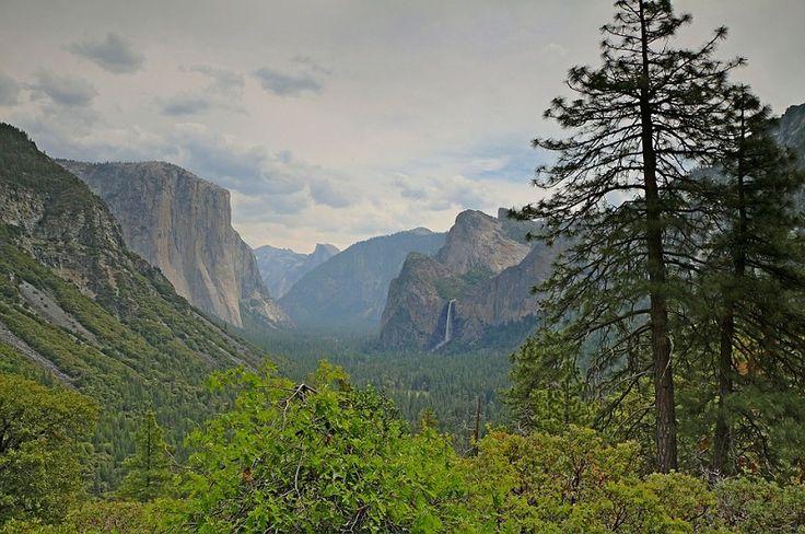 The John Muir Trail goes through Yosemite Valley