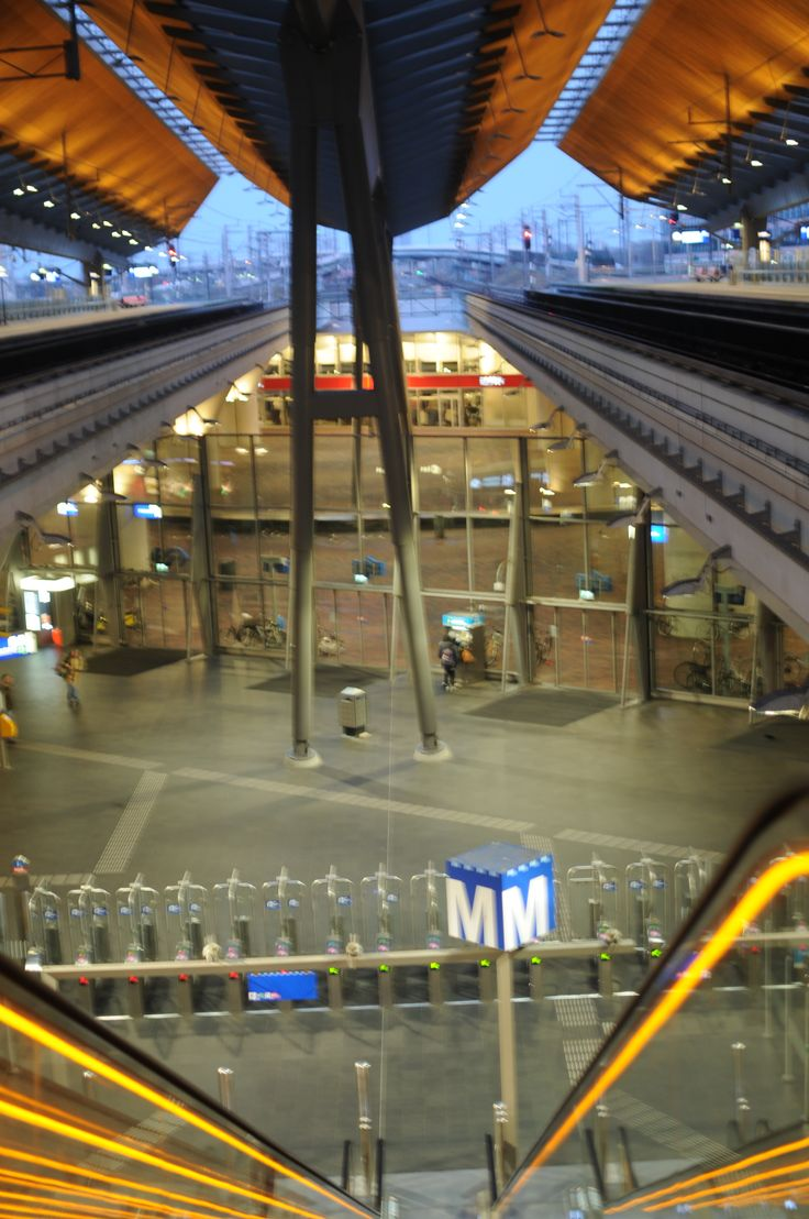 Amsterdam Bijlmer ArenA (Asb) is a railway station