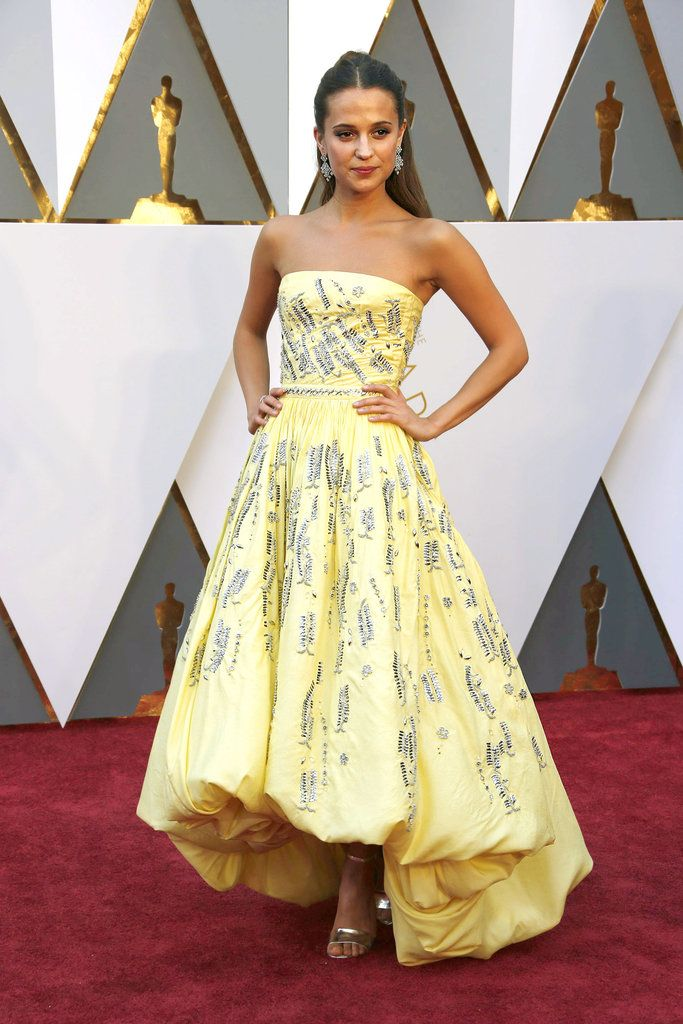 Slide Show: Oscars 2016 Red Carpet - Alicia Vikander in custom Louis Vuitton. - The New York Times