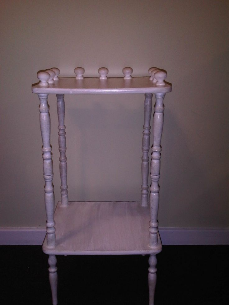 Antique Shelve in perfect condition with twisted pillars, painted in antique white with shabby chic finish. Measurements: H 71cm  x W 36cm x L 31.