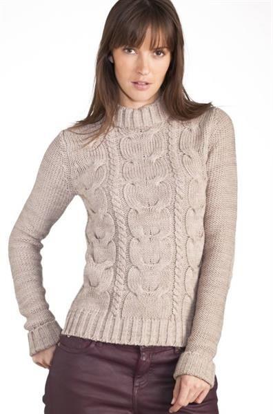 Свитера и пуловер с косами