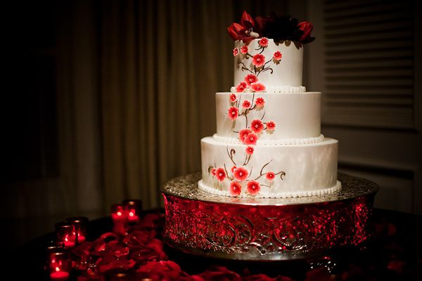 round wedding cakes with red roses 33 best images about engagement pics on 19339