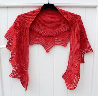 Cassis Shawlette on Ravelry (free download)