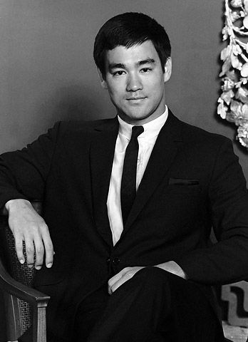 A very young Bruce Lee