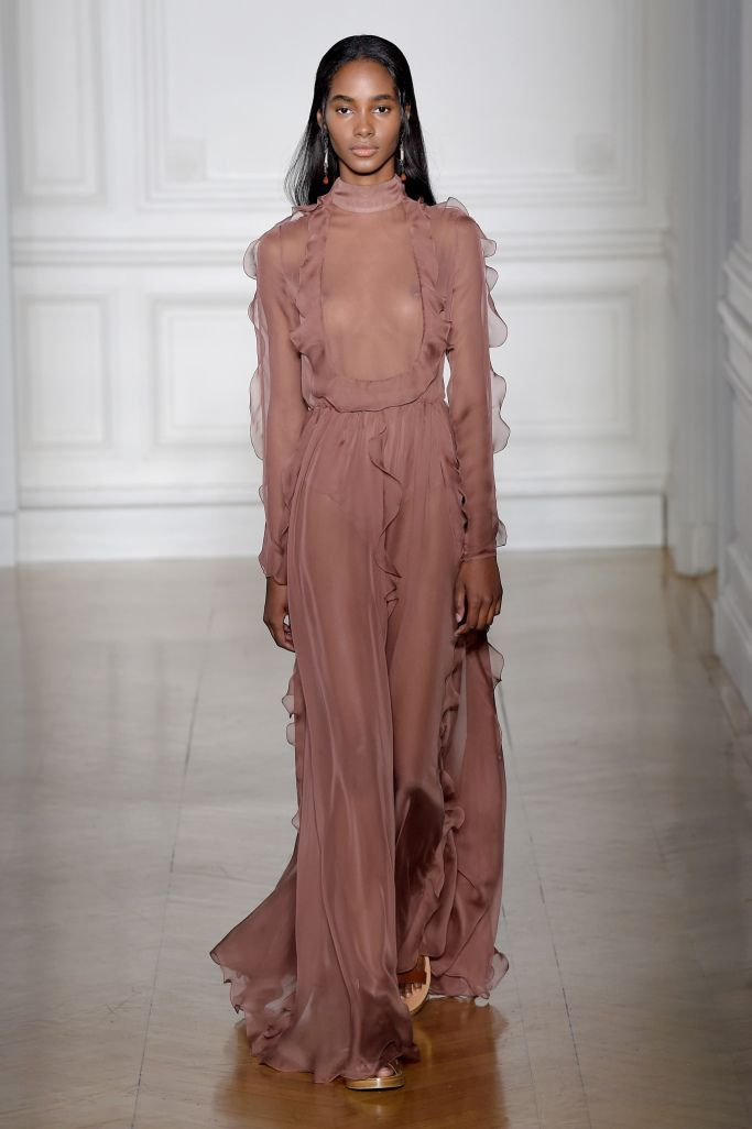 Valentino Couture Spring 2017 – WWD