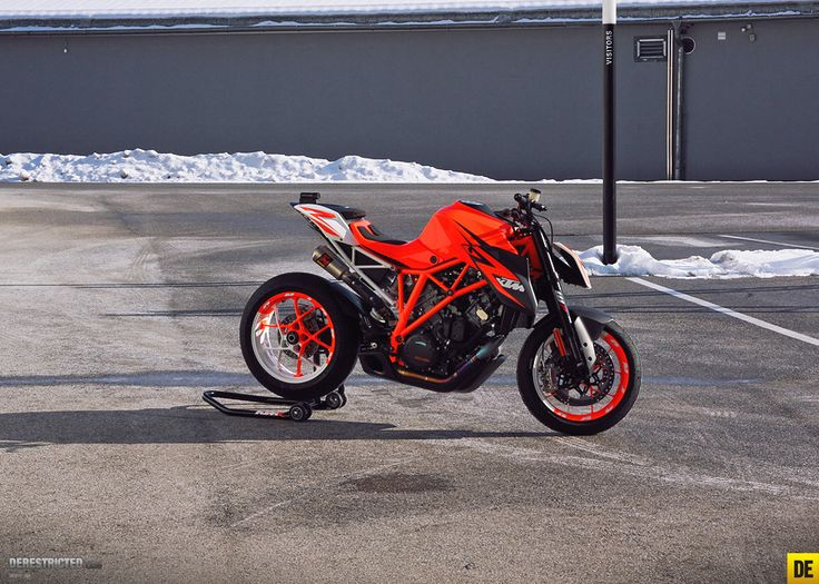 KTM 1290 Superduke – Sigma lens test « Custom Bikes « DERESTRICTED