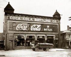 early coca cola | ... Coca-Cola Memorabilia - Early Coca-Cola Bottling Plant Exterior Photos