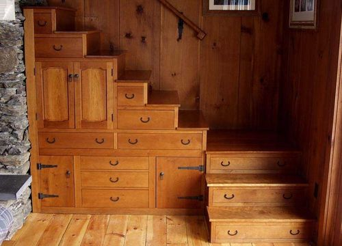 escaleras con cajones