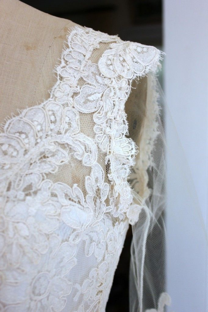 An in-depth look at adding #lace trim to a #wedding #gown