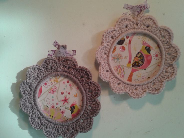 Crochet photoframe, custommade in all kind of colors. Size photo is 10 cm. Handmade. To order at www.isaenbila.nl