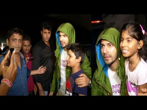 CHECKOUT Varun Dhawan clicks pictures with his fans at Mumbai Airport. See the full video at : https://youtu.be/7UvLsnoZ0zI #varundhawan #bollywood