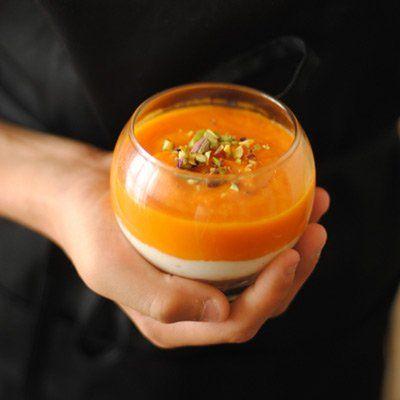"""""""..prendo la tavolozza autunnale, l'arancio intenso della zucca, il verde squillante del pistacchio e per creare un armonioso contrasto, ci abbino il…"""