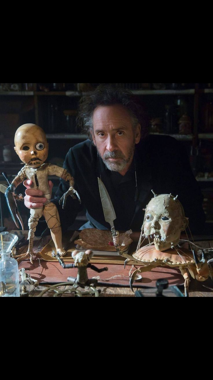 Tim with Enoch's Dolls - Miss Peregrine's Home for Peculiar Children