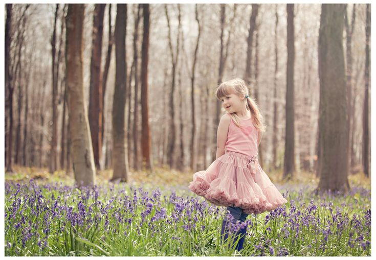 Hamphshire Family Photographer – Family Bluebells {Micheldever Woods} » Gracie May Photography {by Elizabeth Halford}