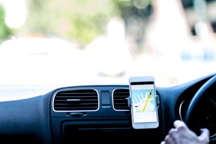 Dicas de segurança para não cair em golpe ao pedir Uber ou táxi