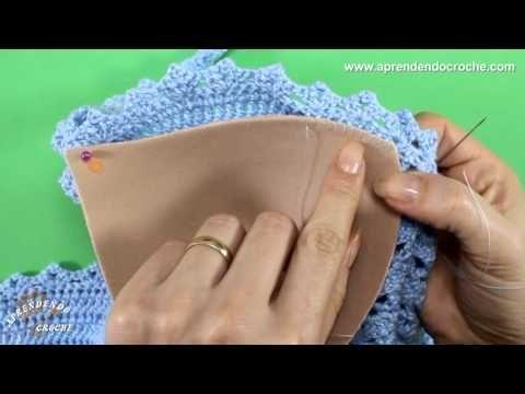 Como aplicar bojo em biquínis e tops de crochê - YouTube
