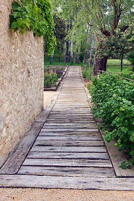 25 best ideas about wooden walkways on pinterest walkways wood pallet walkway and pallet walkway. Black Bedroom Furniture Sets. Home Design Ideas